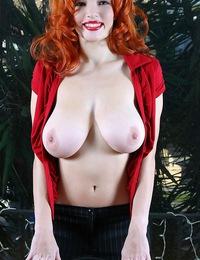 DanielleRiley-pinupfilesdebut